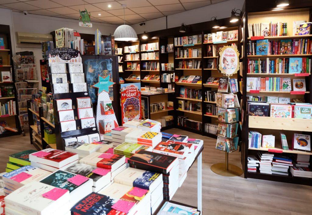 Les rayons de la librairie Mots en Lignes